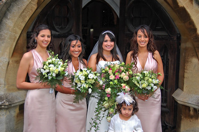 Nu, Bridesmaids and the Flower Girl (2)