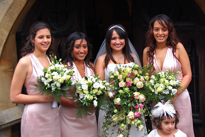 Nu, Bridesmaids and the Flower Girl (1)
