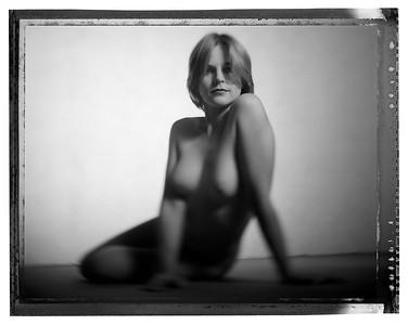 Show Some Skin - 000931-02 - Amanda - Canberra - 990401 - 8x10