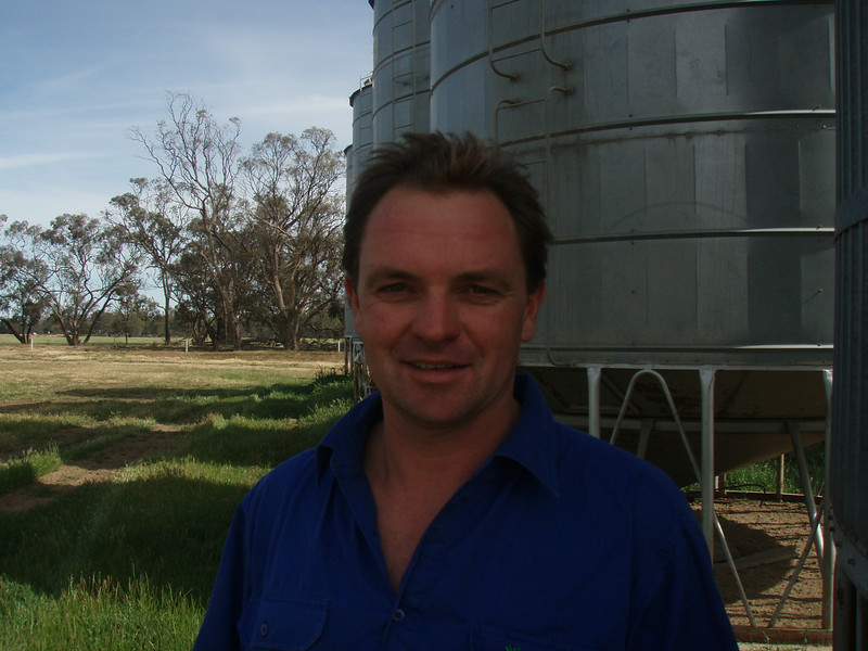 NSW Riverina grain grower Alastair Starritt has been awarded a 2010 Nuffield Scholarship sponsored by the Grains Research and Development Corporation.