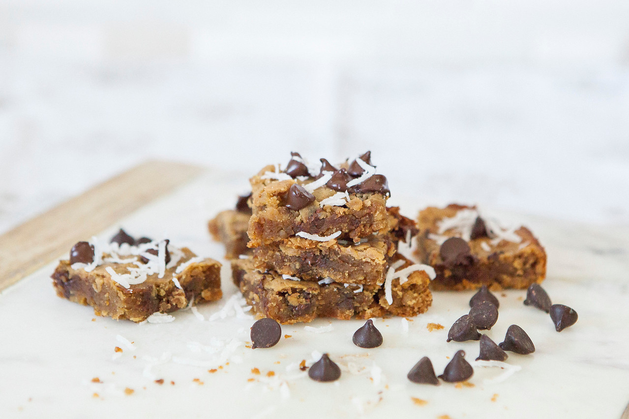 0002_NutritionTwins-chickpea-blondies-peanutbutter-honey-darkchocolate-coconut-cinnamon