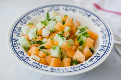 0006_NutritionTwins-cucumber-melon-canteloupe-lime-mint-serrano-pepper-salad-summer