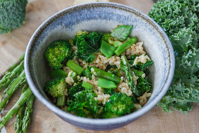 0006__NutritionTwins-broccoli-snowpea-asparagus-kale-brownrice-friedrice-vegetables