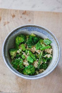 0005__NutritionTwins-broccoli-snowpea-asparagus-kale-brownrice-friedrice-vegetables