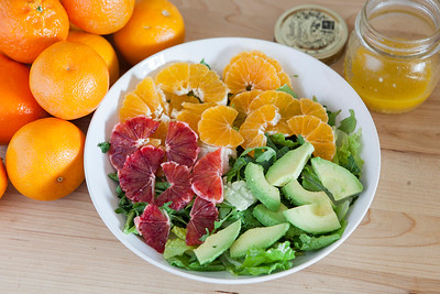 0009_NutritionTwins-citrus-avocado-salad_2