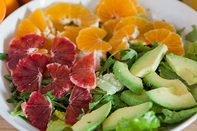 0012_NutritionTwins-citrus-avocado-salad_1