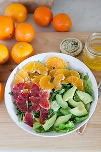 0018_NutritionTwins-citrus-avocado-salad_1