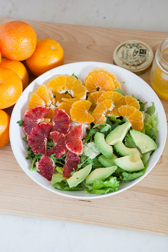 0011_NutritionTwins-citrus-avocado-salad_1