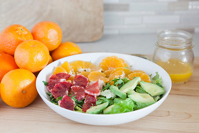0007_NutritionTwins-citrus-avocado-salad_1