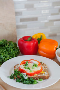 0003_NutritionTwins-bellpepper-egg-kale-cheese-whole-grain-toast