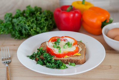 0001_NutritionTwins-bellpepper-egg-kale-cheese-whole-grain-toast