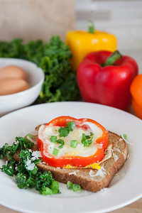0006_NutritionTwins-bellpepper-egg-kale-cheese-whole-grain-toast