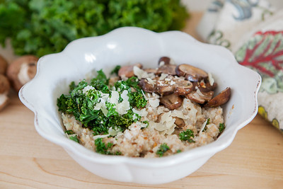 0004_NutritionTwins-savory-oats-cauliflower-kale-mushrooms-garlic-cheese