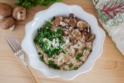 0012_NutritionTwins-savory-oats-cauliflower-kale-mushrooms-garlic-cheese