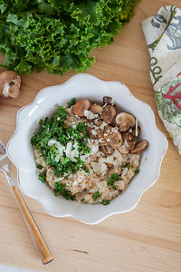 0011_NutritionTwins-savory-oats-cauliflower-kale-mushrooms-garlic-cheese_1