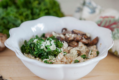 0008_NutritionTwins-savory-oats-cauliflower-kale-mushrooms-garlic-cheese