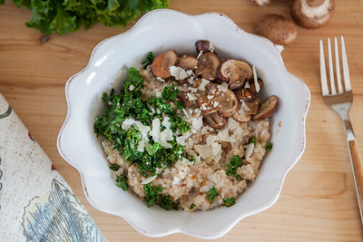 0002_NutritionTwins-savory-oats-cauliflower-kale-mushrooms-garlic-cheese