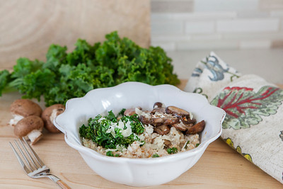 0007_NutritionTwins-savory-oats-cauliflower-kale-mushrooms-garlic-cheese