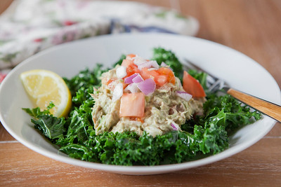 0009_NutritionTwins-avocado-tuna-salad-kale