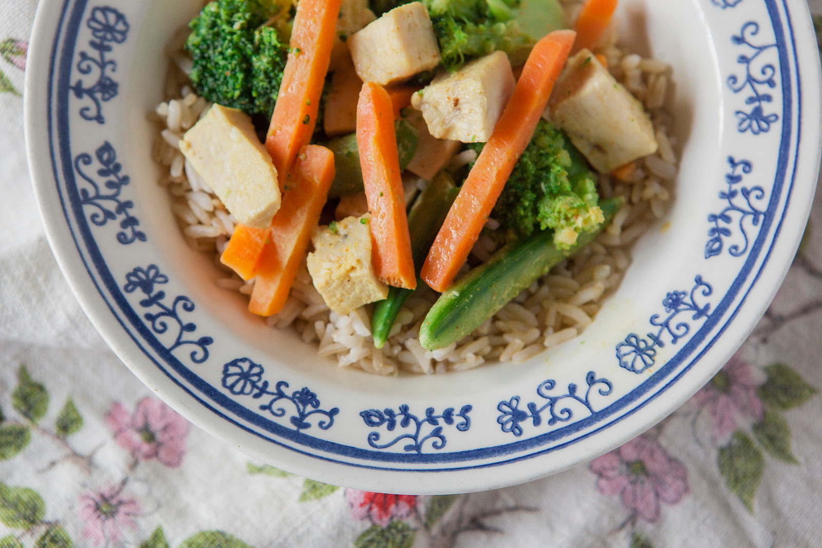 0006_NutritionTwins-easy-coconut-chicken-curry
