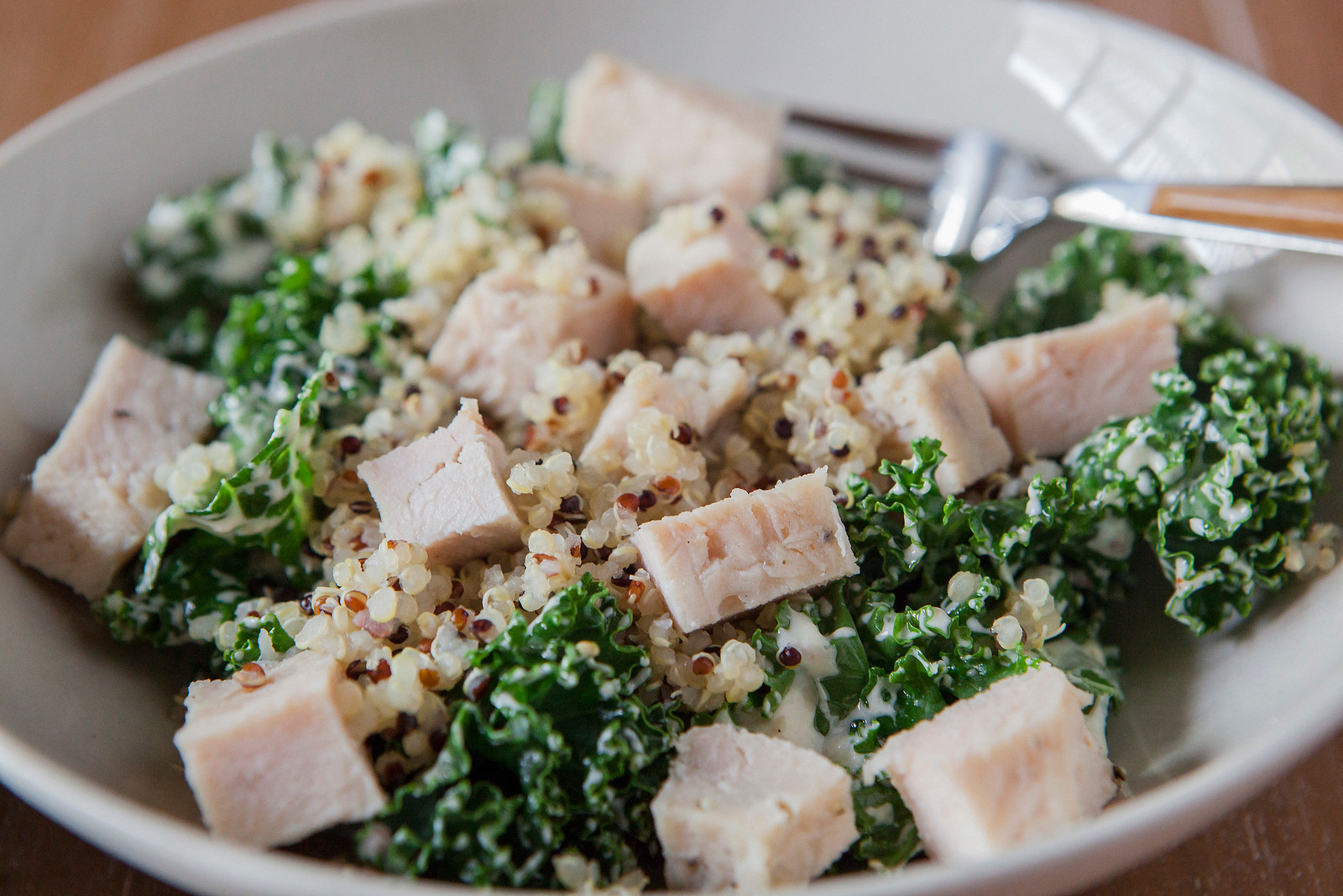 0003_NutritionTwins-garlic-dijon-kale-salad-chicken-quinoa
