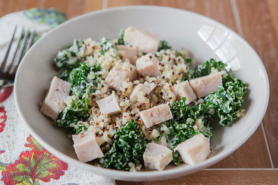 0002_NutritionTwins-garlic-dijon-kale-salad-chicken-quinoa