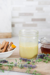 0007_NutritionTwins-goldenmilk-turmeric-ginger-almondmilk-cinnamon-honey