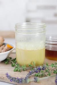 0015_NutritionTwins-goldenmilk-turmeric-ginger-almondmilk-cinnamon-honey