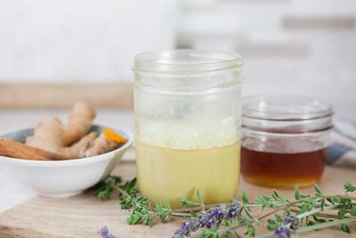 0014_NutritionTwins-goldenmilk-turmeric-ginger-almondmilk-cinnamon-honey