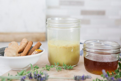 0008_NutritionTwins-goldenmilk-turmeric-ginger-almondmilk-cinnamon-honey