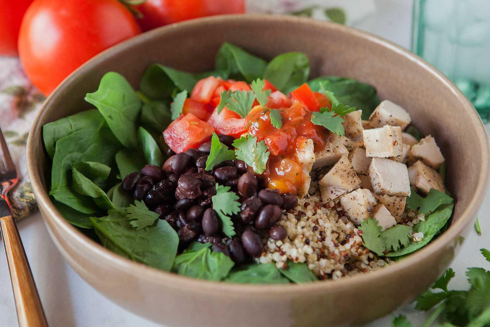 0009_NutritionTwins-chicken-quinoa-taco-salad