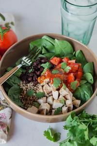 0005_NutritionTwins-chicken-quinoa-taco-salad
