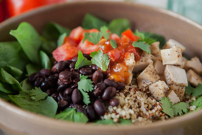 0013_NutritionTwins-chicken-quinoa-taco-salad