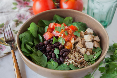 0011_NutritionTwins-chicken-quinoa-taco-salad