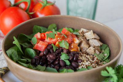 0010_NutritionTwins-chicken-quinoa-taco-salad