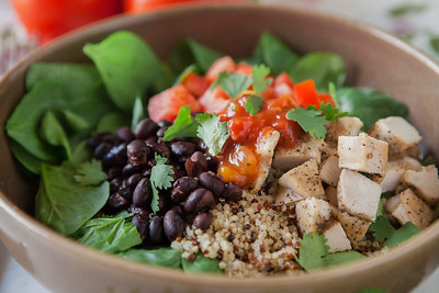 0014_NutritionTwins-chicken-quinoa-taco-salad