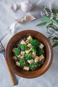 0002_NutritionTwins-sesame-tofu-broccoli-stirfry