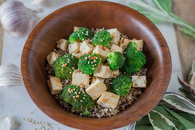 0021_NutritionTwins-sesame-tofu-broccoli-stirfry