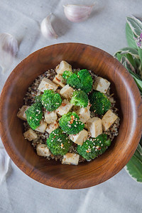 0012_NutritionTwins-sesame-tofu-broccoli-stirfry