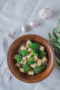 0010_NutritionTwins-sesame-tofu-broccoli-stirfry