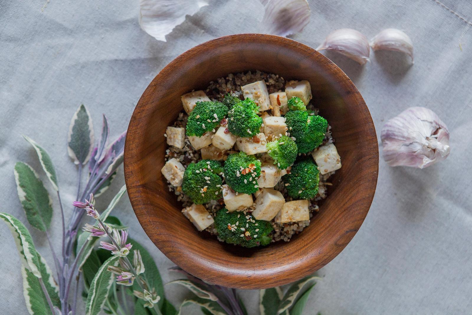 0014_NutritionTwins-sesame-tofu-broccoli-stirfry