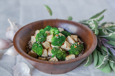 0007_NutritionTwins-sesame-tofu-broccoli-stirfry