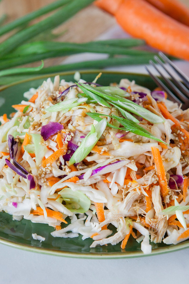 0004_NutritionTwins-asian-chicken-salad-ginger-dressing-cabbage-carrots-greenonion-almonds