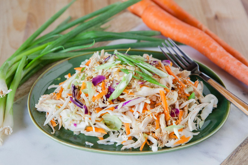 0002_NutritionTwins-asian-chicken-salad-ginger-dressing-cabbage-carrots-greenonion-almonds
