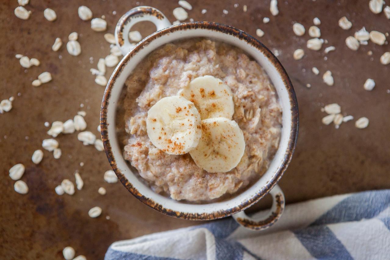 0006_NutritionTwins-cinnamon-banana-high-protein-oatmeal-cottagecheese-eggwhite
