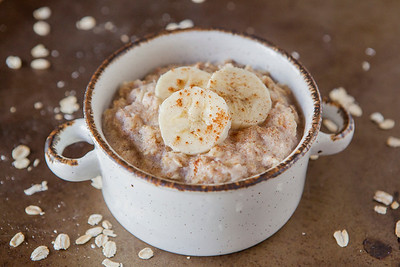 0007_NutritionTwins-cinnamon-banana-high-protein-oatmeal-cottagecheese-eggwhite