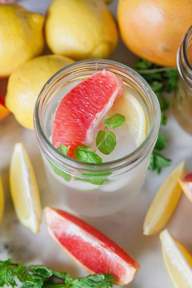 0004_NutritionTwins-applecidervinegar-lemon-detox-water-grapefruit-mint