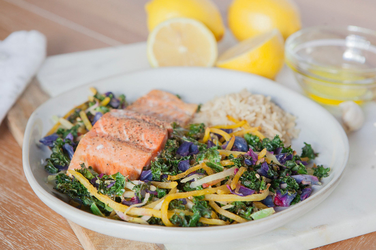 0006_NutritionTwins-kale-beet-salmon
