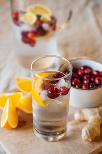 0009_NutritionTwins-cranberry-orange-ginger-water