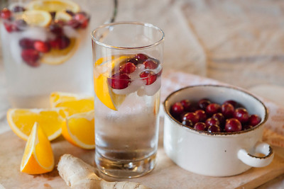 0015_NutritionTwins-cranberry-orange-ginger-water